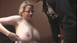 Film sexe patronne blonde grosse paire de seins
