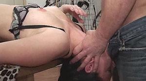 Vidéo porno SM : esclave soumise à son boss