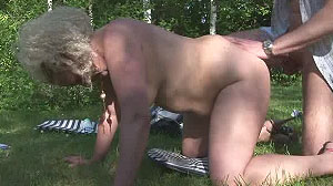 Porno amateur : grassouillette nymphomane